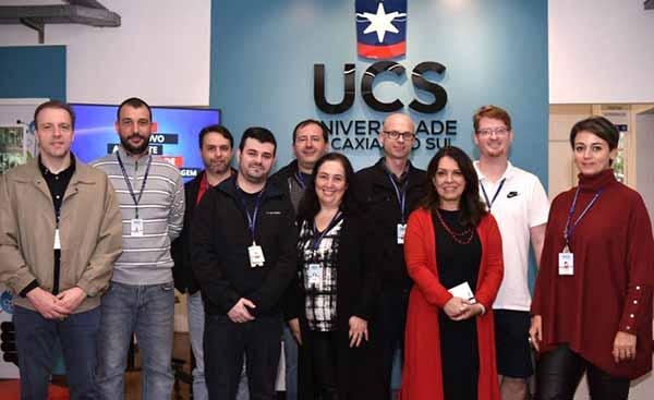 imagem equipe novo ava 768x512 - Pró-Reitoria Acadêmica da UCS lança o novo Ambiente Virtual de Aprendizagem
