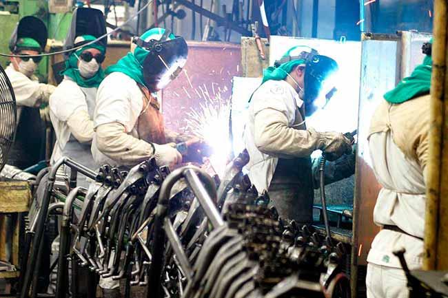 industrias - Indústria de máquinas e equipamentos cresce 6% no trimestre