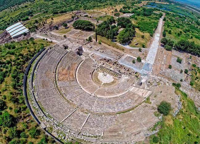 iymir 647x468 - Conheça mais sobre Izmir, na Turquia