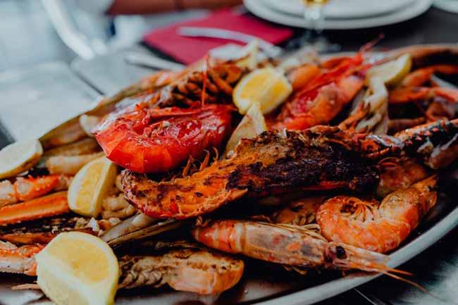 lagosta - Cardápio do STF: juíza suspende licitação para compra de refeições