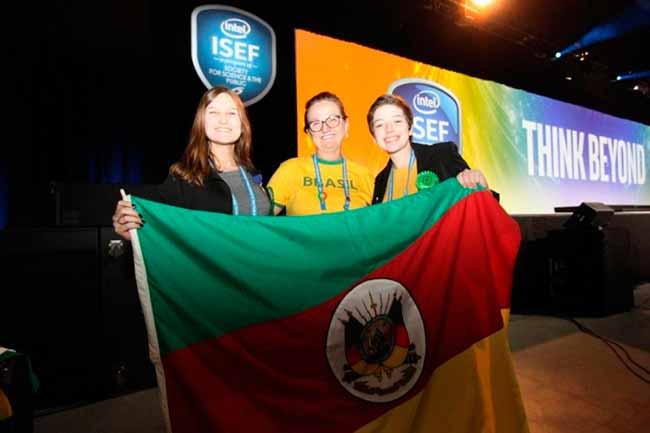 liberato eua - Alunas do Liberato são premiadas em feira científica nos EUA