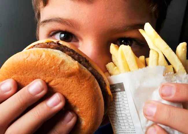 obesidade infantil - Sobrepeso e obesidade causam mesmos riscos de doença cardiovascular em jovens