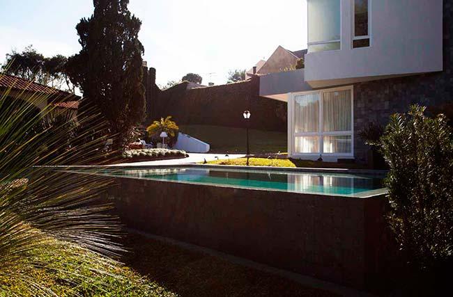 piscina5 - Cinco áreas externas com piscinas para inspirar