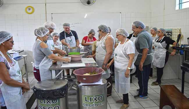 processamento de frutas e hortaliças em Sapiranga - CEMEAM promoveu curso sobre processamento de frutas e hortaliças em Sapiranga