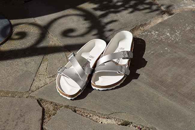 sandália de tira tripla e design moderno é novidade na coleção Outono Inverno 5 - Birkenstock Yao: sandália de tira tripla é novidade na coleção Outono-Inverno