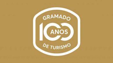 """selo Gramado 100 anos de Turismo 1 390x220 - Selo """"Gramado: 100 anos de Turismo"""" é lançado na Festa da Colônia"""