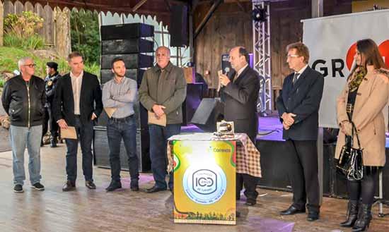"""selo Gramado 100 anos de Turismo 5 - Selo """"Gramado: 100 anos de Turismo"""" é lançado na Festa da Colônia"""
