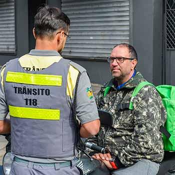 Ação Motociclistas Secretaria de Trânsito 2 - Secretaria de Trânsito promove ação educativa pela segurança de motociclistas em Caxias