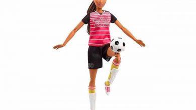 Barbie Você Pode Ser Tudo o Que Quiser 390x220 - Barbie também joga futebol