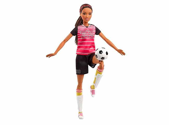 Barbie Você Pode Ser Tudo o Que Quiser - Barbie também joga futebol