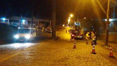 Blitz de trânsito em caxias do sul 390x220 - Caxias do Sul: blitz de trânsito aborda 121 condutores no bairro De Lazzer