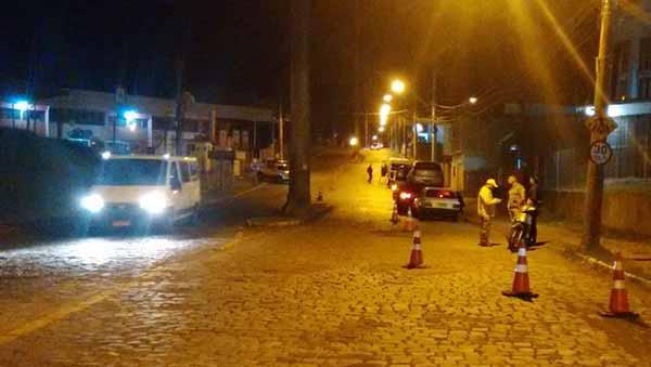 Blitz de trânsito em caxias do sul - Caxias do Sul: blitz de trânsito aborda 121 condutores no bairro De Lazzer