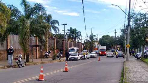 Blitz de trânsito no Desvio Rizzo 1 - Caxias do Sul: Blitz de trânsito no Desvio Rizzo abordou 106 veículos