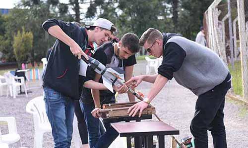 Competição Regional de Foguetes 4 - Escola de Caxias do Sul é campeã da 4ª Competição Regional de Foguetes