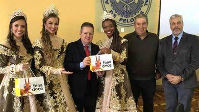 Photo of Fenadoce: CDL e Soberanas presenteiam o Vice-governador, Ranolfo Junior