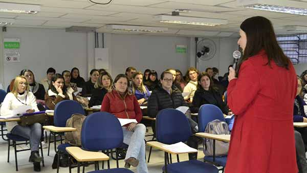 Escolas de Educação Infantil vão mudar horários - Escolas de Educação Infantil vão mudar horários de funcionamento em Caxias do Sul