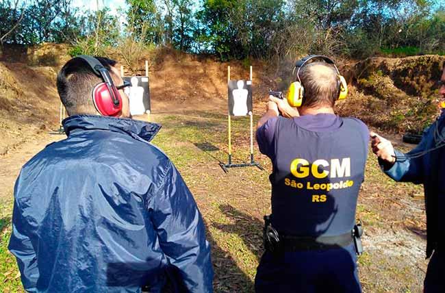 GCM 2 - São Leopoldo: guardas municipais finalizam curso para uso de pistola