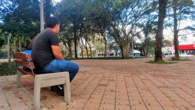 Mobiliário começa a ser instalado no calçadão e Praça do Imigrante 390x220 - Calçadão e Praça do Imigrante começam a receber bancos e brinquedos