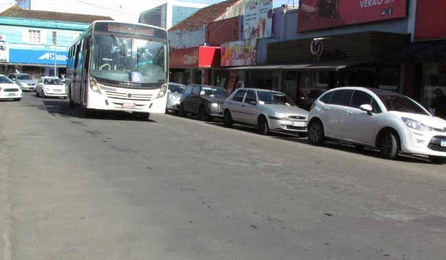 Obras avançam na Magalhães Calvet - Obras avançam na Magalhães Calvet e ônibus mudam itinerário temporariamente