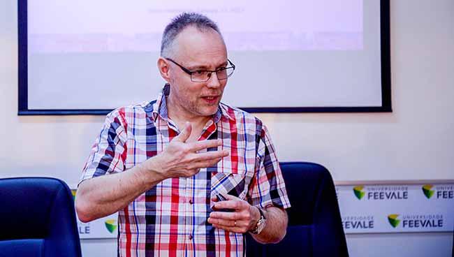 Pertti Puusaari - Reitor de universidade finlandesa visita a Feevale