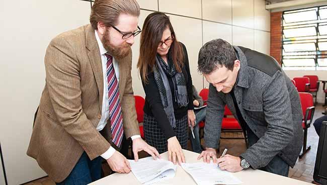Prasjur assina termo de cooperação - Prasjur assina termo de cooperação com Defensoria Pública de Canoas