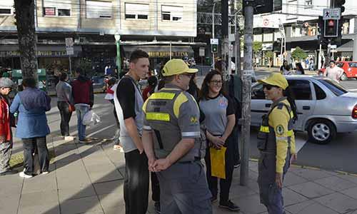 Secretaria de Trânsito de Caxias ação educativa 4  - Secretaria de Trânsito de Caxias realiza ação educativa para segurança de pedestres