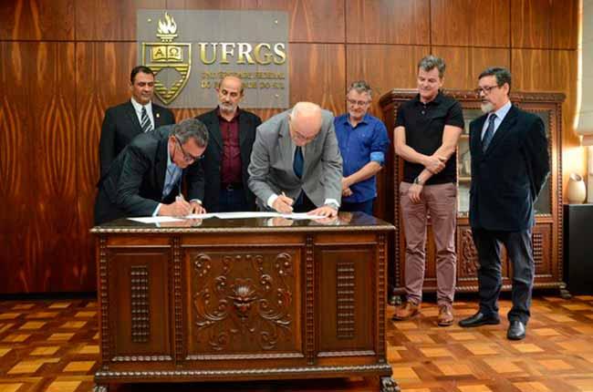 UFRGS e Prefeitura de São Leopoldo assinam convênio - UFRGS e Prefeitura de São Leopoldo assinam convênio