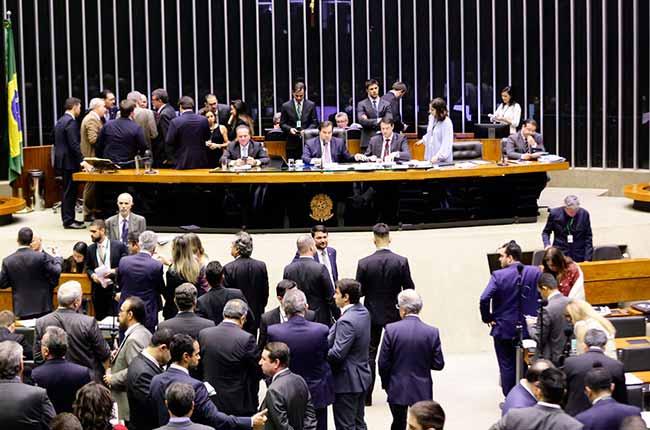 camara - Câmara aprova PEC do Orçamento Impositivo