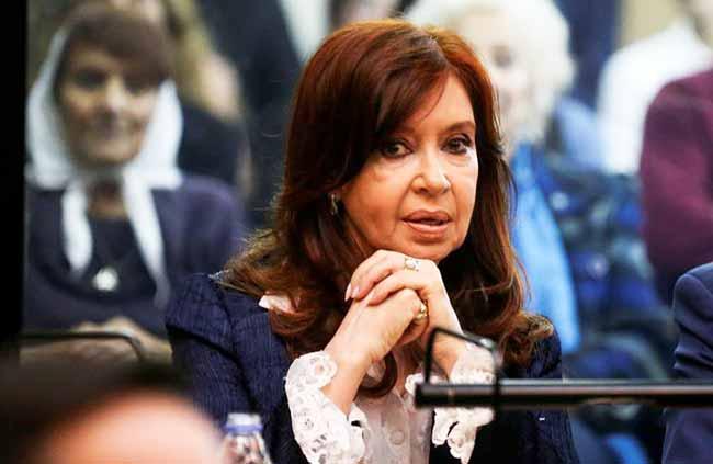 cristina kirchner - Argentina: ex-presidente falta ao terceiro dia de julgamento