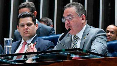 davi e roberto senado 390x220 - Aprovado no Senado o novo Marco do Saneamento Básico