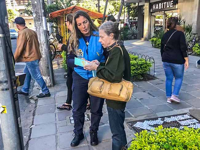 eptc idosos poa - EPTC orienta idosos sobre travessia segura em Porto Alegre