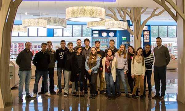 fábrica da Tramontina - Estudantes do Curso Técnico em Gastronomia da UCS visitam fábrica da Tramontina