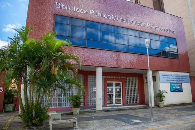 Biblioteca Municipal canoas - Troca de livros é atração aos sábados em Canoas