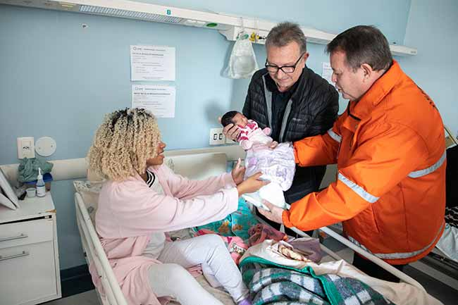 Defesa Civil doa roupas e fraldas canoas - Defesa Civil de Canoas doa roupas e fraldas para recém-nascidos