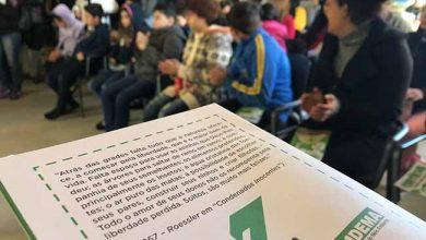 Doação cartilhas são leopoldo 2 390x220 - Klabin doa 10 mil cartilhas sobre preservação ambiental para São Leopoldo