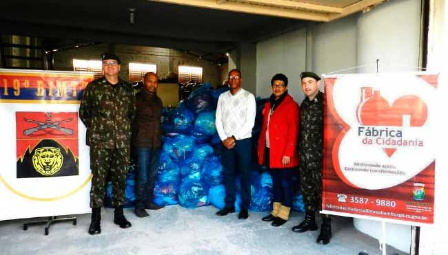 Doações19BIMTZSL - 19º BIMtz faz doação para a Campanha do Agasalho de Novo Hamburgo