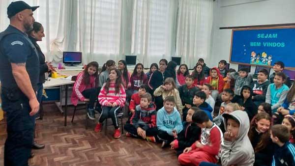 Guarda Municipal de São Leopoldo palestra escolas - Guarda Municipal realiza palestras preventivas nas escolas em São Leopoldo