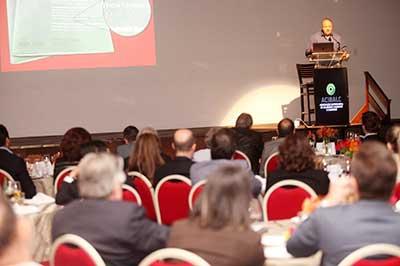 Salibi durante a palestra - 8ª edição do Encontro Empresarial da Acibalc terá a Inovação como temática