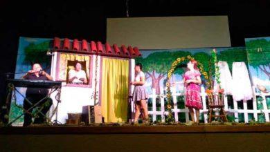 Torres teatro 2019 2 390x220 - Espetáculo teatral emociona plateia em Torres