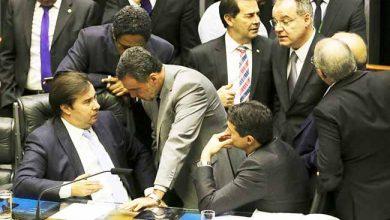 camara 390x220 - Deputados retomam votação de destaques da reforma da Previdência
