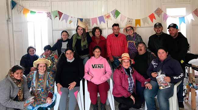 cresparobe - CREAS de Parobé promoveu Festa Julina