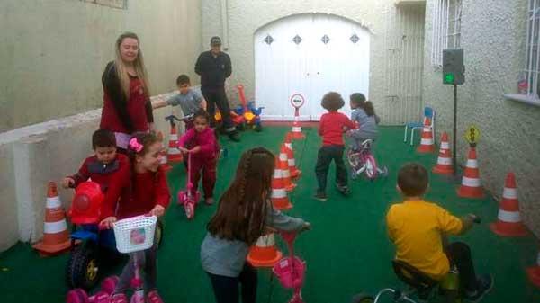 crianças trânsito pelotas aulas 2 - Pelotas: projeto de trânsito ensina mobilidade a crianças nas escolas