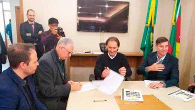 daer e farroupilha1 390x220 - Farroupilha e Daer assinam acordo de cooperação