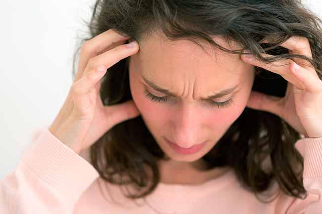 dor4 - Dor de cabeça pode estar associada a azia e má digestão