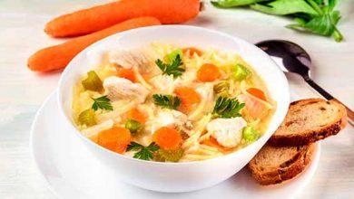 sopa2 390x220 - Sopa de macarrão com frango e legumes