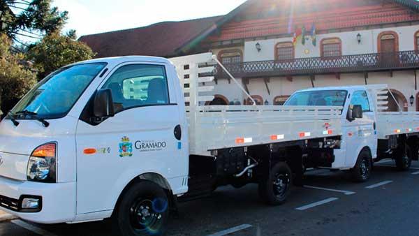 trabalho de jardinagem na cidade GRAMADO - Gramado: novos veículos para reforçar o trabalho de jardinagem