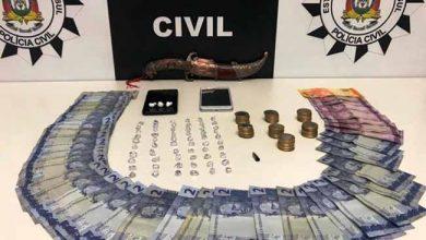 trafdrosapi 390x220 - Homem é preso em flagrante por tráfico de drogas em Sapiranga