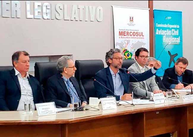 voossantanaliv - Voos voltam a ser regulares entre Santana do Livramento e Porto Alegre