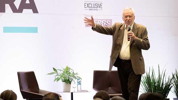 Alexandre Garcia crédito Carlos Ferrari - 29º Congresso Movergs abordou momento das indústrias e do País