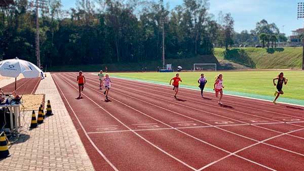 Alunos do Projeto de Atletismo de Lajeado conquistam medalhas - Alunos do Projeto de Atletismo de Lajeado conquistam medalhas
